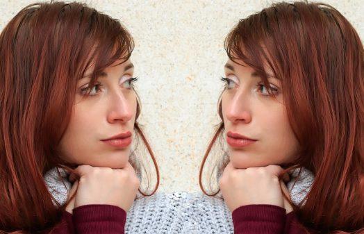 イメージ画像-鏡合わせの人