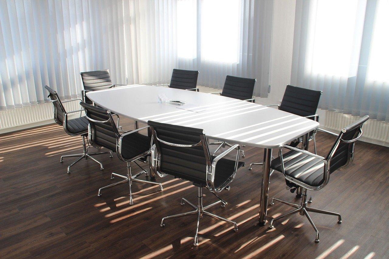 オフィスのテーブル