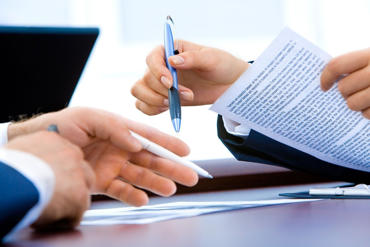 ノートパソコン,事務所,手