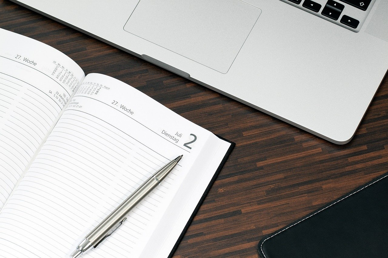 手帳とノートPC