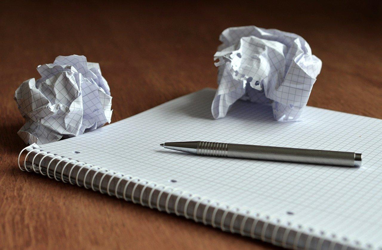 ノート、紙くず