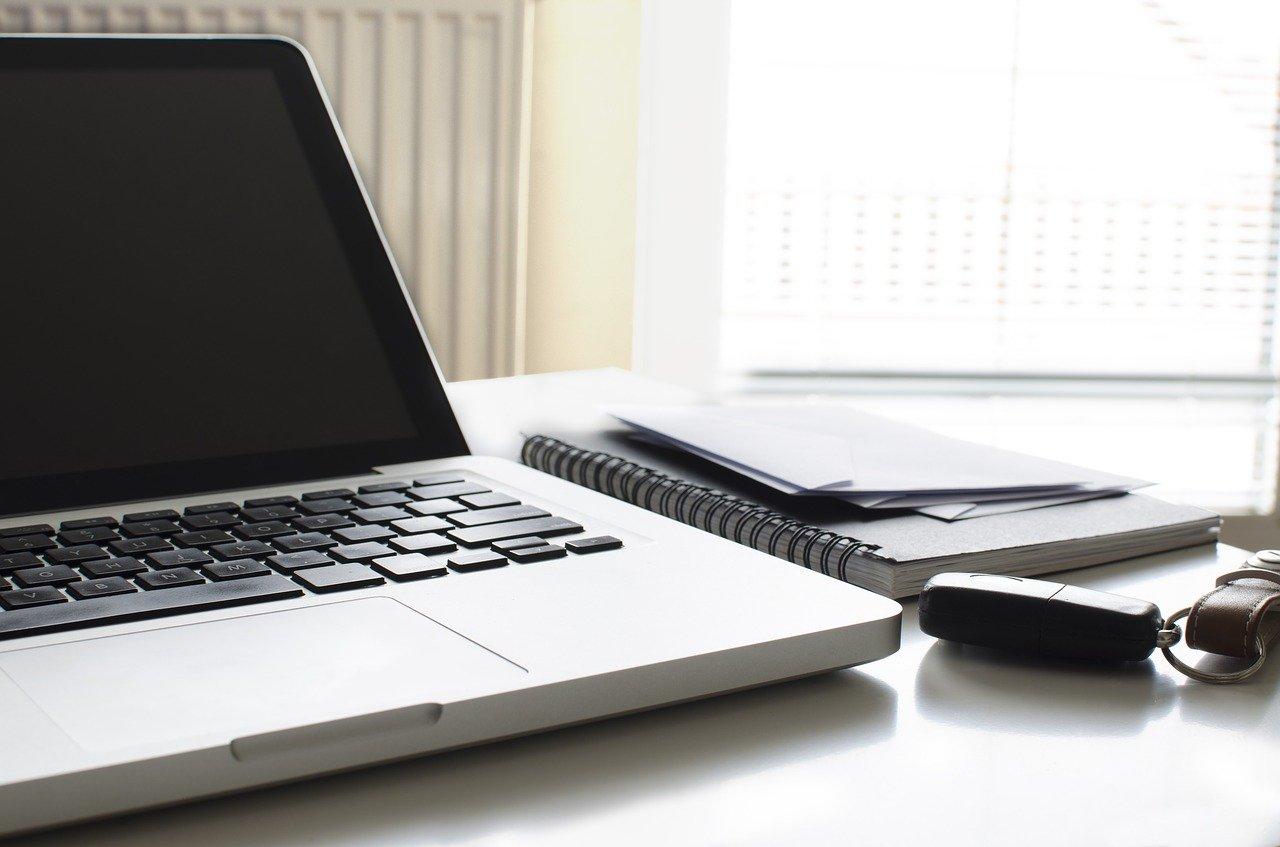 ノートPCと手帳
