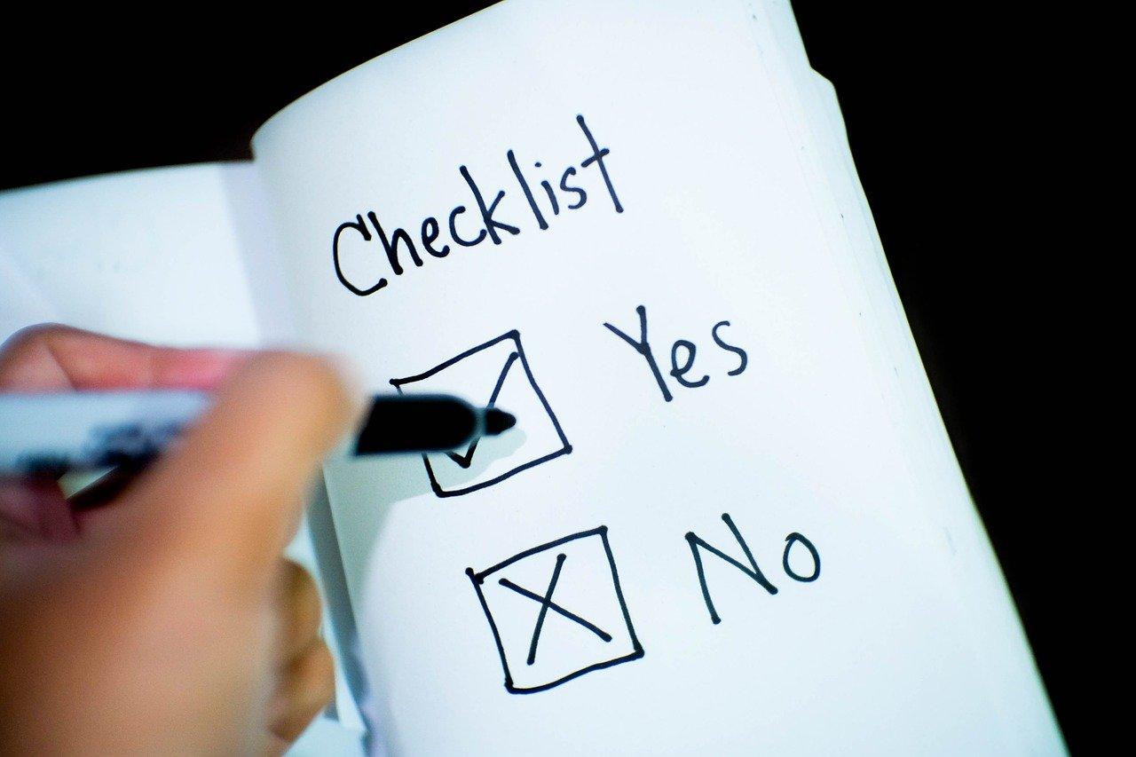 YesとNoのチェックボックスにチェックを記入する手