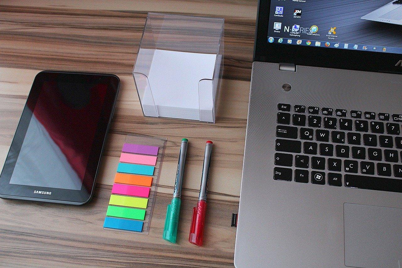 パソコンと文房具