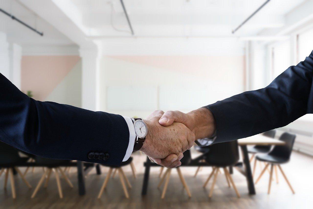 仕事、握手