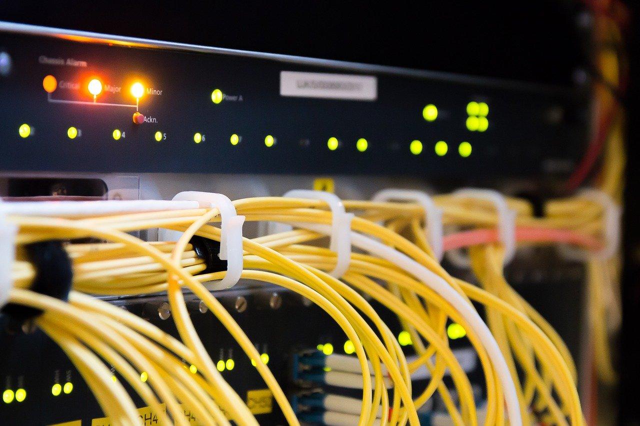 サイバースペース、データ、ワイヤー