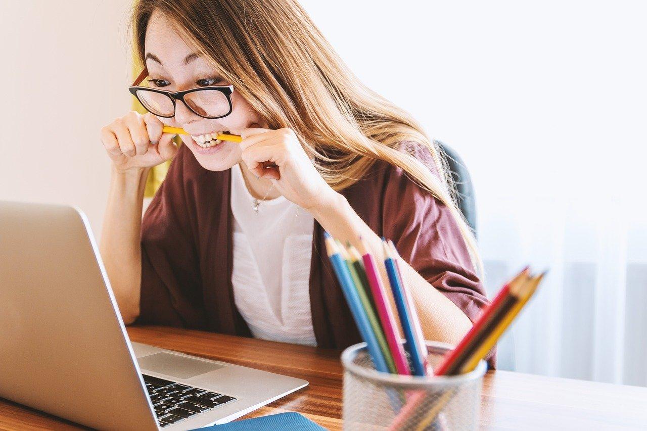 ノートパソコン、女性、教育