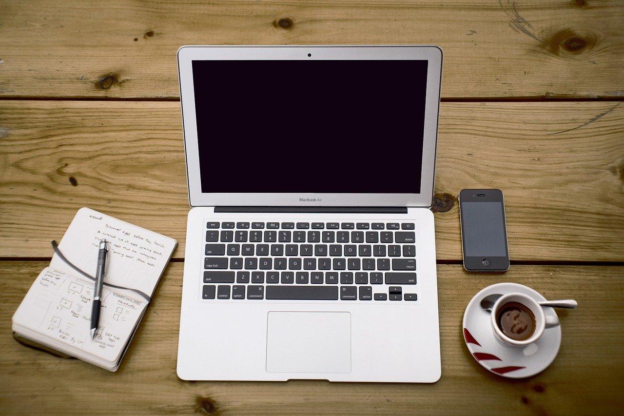 ノートパソコン、ワークスペース、デスク