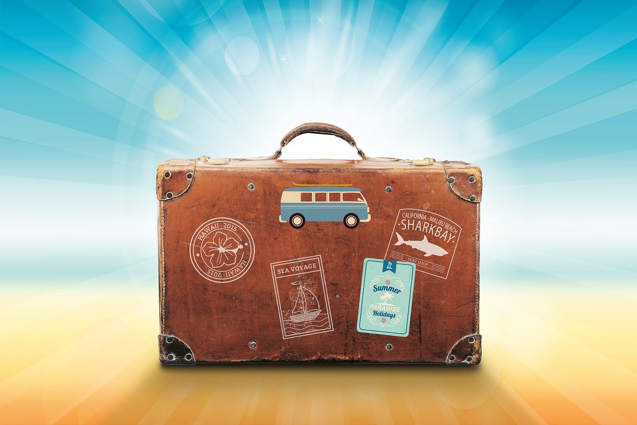 旅行バッグの画像