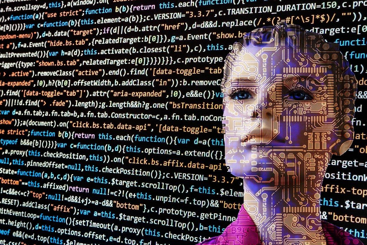 プログラミング言語の画面に浮かび上がる人型AIの顔