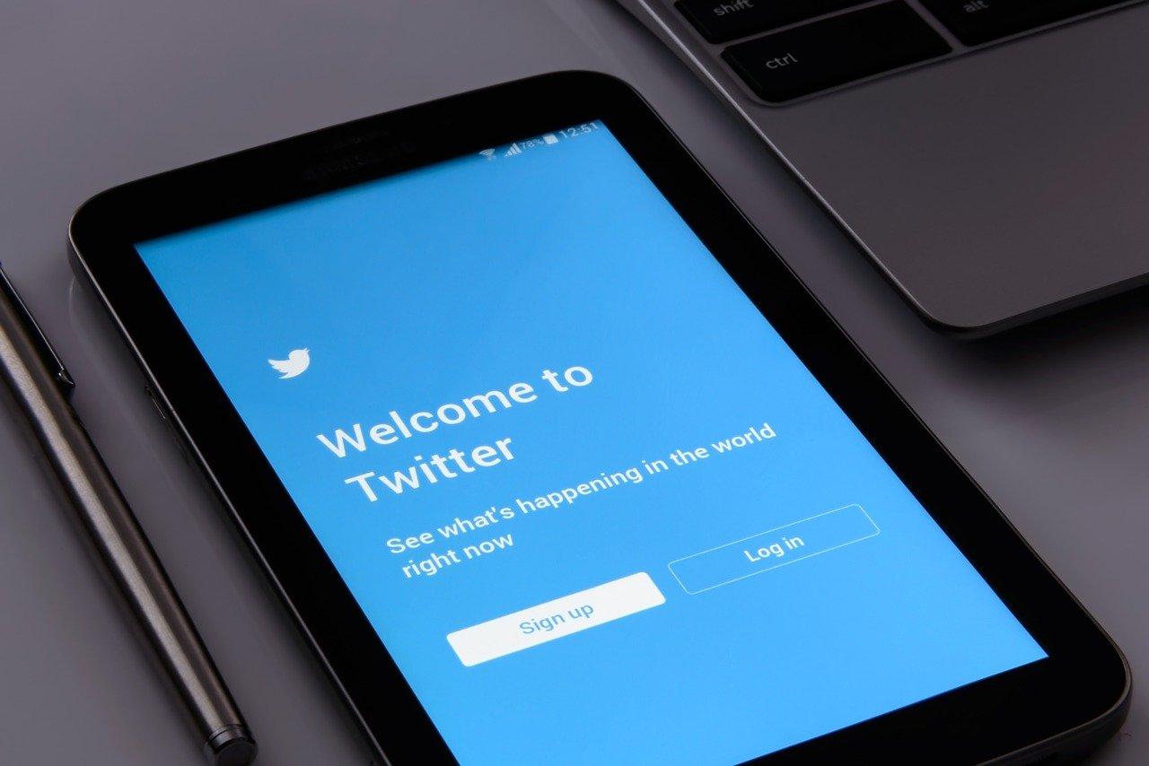 スマホのTwitterログイン画面