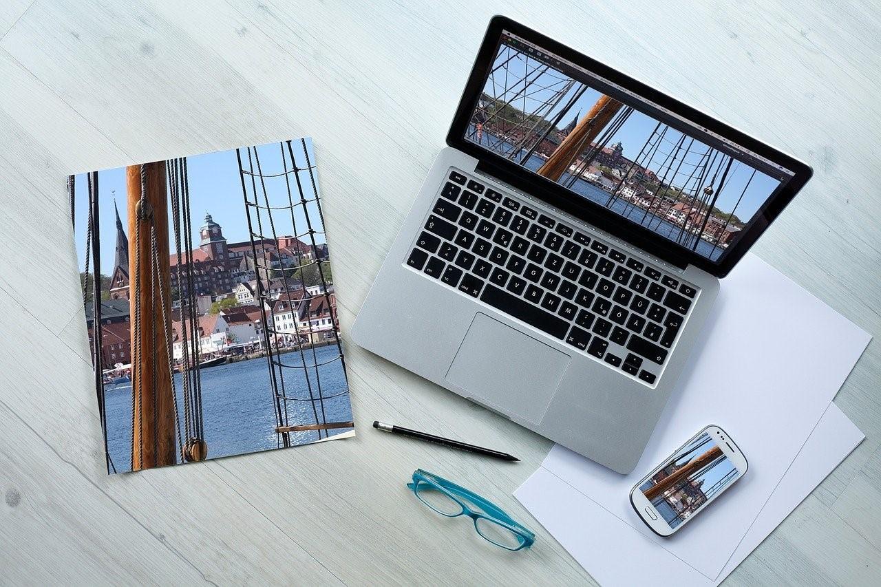 パソコンと写真